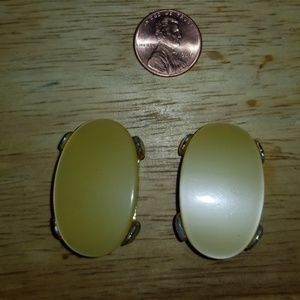 VINTAGE PAM THERMOSET LUCITE SILVERTONE EARRINGS